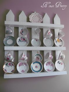 18 Great Pallet Home Decor Projects White Picket Fence Pallet Shelves The post 18 Great Pallet Home Decor Projects appeared first on Pallet Diy. Pallet Home Decor, Pallet Crafts, Diy Crafts, Wood Display, Display Shelves, Kitchen Display, Kitchen Shelves, Display Case, Display Ideas