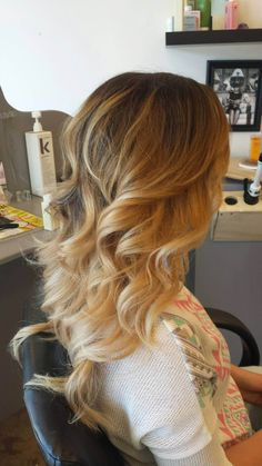 In love with this color. Blonde ombre. By: Nicolette Redinger @ Poppy An Eco-Friendly Salon And Spa, Pullman WA. Http://www.salonpoppy.com