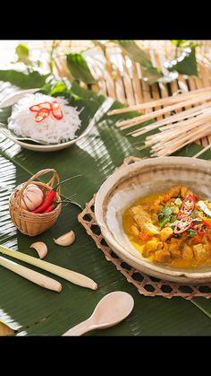Vietnamese Recipes, Thai Recipes, Asian Recipes, Vietnamese Food, Food Photography Props, Rustic Photography, Authentic Thai Food, Indonesian Food, Menu Restaurant