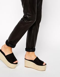 Buy ASOS HAILSTONE Mule Flatforms at ASOS. Get the latest trends with ASOS now. Clogs, Flatform, Do It Yourself Fashion, Kinds Of Shoes, Mode Online, High Heels Stilettos, Platform Shoes, Summer Shoes, Me Too Shoes