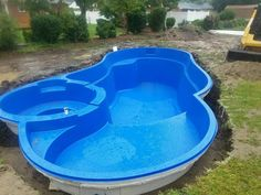 Creative Pools Ltd. is a fully licensed, professional swimming-pool installation company. We install vinyl liners, fiberglass & concrete pools. Small Inground Pool, Small Swimming Pools, Small Backyard Pools, Backyard Pool Landscaping, Diy Pool, Backyard Pool Designs, Swimming Pools Backyard, Pool Spa, Swimming Pool Designs