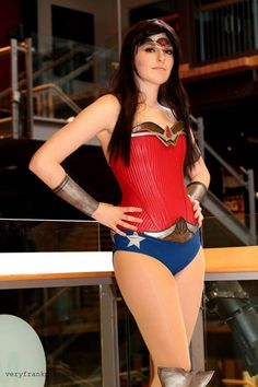 Stance : DC Comics : Wonder Woman by Lossien on DeviantArt