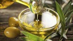 5 θεραπείες με ελαιόλαδο για το δέρμα σας - Με Υγεία Olives, Foods To Lower Triglycerides, Olive Oil And Lemon Dressing, Healthy Food List, Healthy Recipes, Advocare Recipes, Salad Recipes, Herpes Genital, Vegetarian Diets