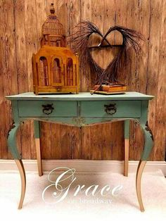 Heather from Grace on Broadway LOVES the new DB color Vintage Duck Egg! #DixieBellePaint is the affordable alternative to that expensive #chalkpaint. This amazing quality is made, owned and operated in the USA