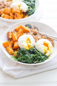 Make up all the elements for these sweet potato breakfast bowls ahead of time, and then just assemble before serving for a quick and healthy breakfast!