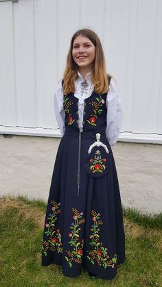 Endelig er Bergenbunaden ferdig til konfirmasjon. Vesken har konfirmanten montert på låsen selv. Floral, Skirts, Fashion, Moda, Fashion Styles, Flowers, Skirt, Fashion Illustrations