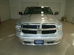 2014 Ram RamPickup1500 SLT 4x4 SLT 4dr Crew Cab 5.5 ft. SB Pickup Pickup 4 Doors Silver for sale in Vancouver, WA Source: http://www.usedcarsgroup.com/used-ram-for-sale-in-vancouver-wa