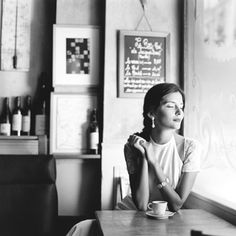 ❀ the power of a cafe, cuppa coffee, and an hour alone, can do wonders for the heart and mind...