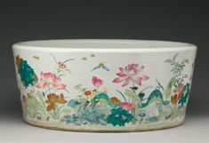 A MASSIVE FAMILLE-ROSE JARDINIERE QING DYNASTY, 19TH CENTURY 6,000 — 8,000 USD LOT SOLD. 112,500 USD
