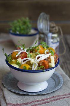 ensalada de tomates y pepino con gulas Arroyabe