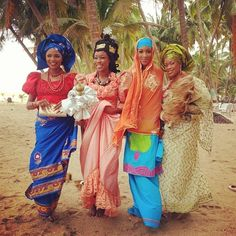 possibleimpossible:  all over Africa beautiful ladies can be found regardless of the tribe!