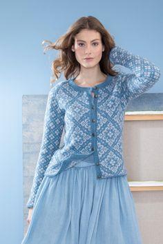 no - dale-ingeborg-kort-jakke Fair Isle Knitting Patterns, Fair Isle Pattern, Knit Patterns, Cardigan Design, Cardigan Pattern, Knitted Jackets Women, Knitted Baby Cardigan, Curvy Fashion, Womens Fashion