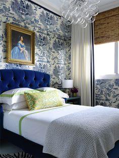 ArchitectMichael Haverland'sEast Hampton bedroom deftly mixes 20th-century classics — including aHarvey Prober headboard, a Yngve Ekstrom armchai