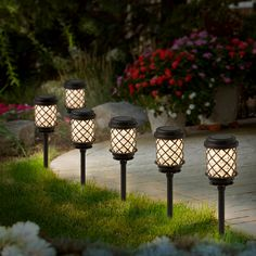 Iluminación Para Jardín. Lámparas Solares Tipo Faroles, Que Embellecerán Tu  Jardín.