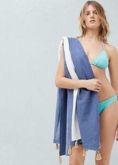 Two-tone pareo towel - Women Mango, Beachwear For Women, Jeans, United Kingdom, Latest Trends, Spring Summer, Woman, Tassel, Cotton Fabric
