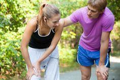 La crampe musculaire est une contraction qui peut intervenir à tout moment. Au-delà de la surprise, la douleur provoquée peut être particulièrement intense. Touchant le plus souvent les mollets et les pieds, la crampe musculaire peut être tout simplement combattue par des remèdes de grands-mères.
