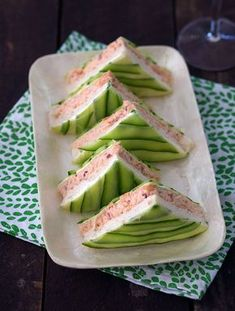 Chic Salmon and Cucumber Sandwiches #EatClean http://www.healyourfacewithfood.com/