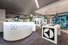 Seit dem 24. August 2013 finden die beliebten #Kochseminare nun auch im neu eröffneten Electrolux Kunden Center in Mägenwil statt. Vielleicht möchtest du dich einfach beraten lassen. Unsere Fachberaterinnen freuen sich auf deinen Besuch in der #Ausstellung!  #Electrolux #KundenCenter
