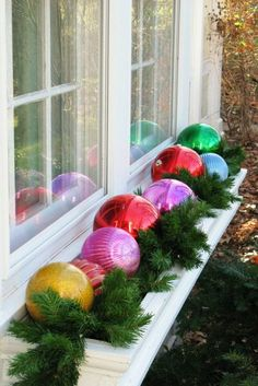 Window decoration for Christmas - beautiful subtle and great examples - Weihnachten - Indoor Christmas Decorations, Outdoor Christmas, Winter Christmas, Christmas Home, Holiday Decor, Garden Balls, Merry Xmas, Christmas Inspiration, Christmas Crafts