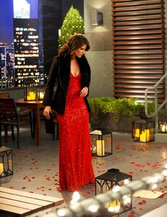I seriously wanted to be Robin in this red dress! She looked perfect! How I Met Your Mother! Robin Outfit, Robin Scherbatsky, Robin Tunney, How Met Your Mother, Himym, Mothers Dresses, I Meet You, Celebs, Celebrities