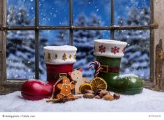 Christmas Every Day Days Until Christmas, Noel Christmas, Christmas Colors, Winter Christmas, Christmas Ornaments, Christmas Windows, Wallpaper New Year, Christmas Wallpaper, Color Splash