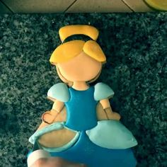Last video of the #princess cookies (see profile for other videos)!! Adorable…