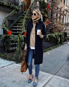 Casual fall + winter style # Casual Outfits oficina 2018 Find Out Where To Get The Dress Mode Outfits, Casual Outfits, Fashion Outfits, Womens Fashion, Fashion Trends, Fashion 2020, J Crew Outfits, Preppy Fall Outfits, Fall Travel Outfit