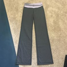 Lululemon pants Excellent condition i believe it is Astro style  no trades!! Bundle and save lululemon athletica Pants