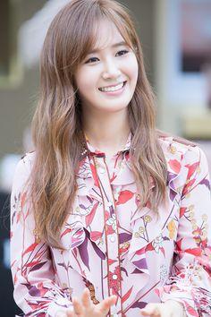 Yuri #SNSD #GIRLSGENERATION #KPOP #yuri  파비안 photo archives :: 160903 롯데백화점 본점 불가리 '로즈 골데아' 뮤즈 유리 팬사인회