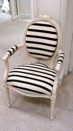 Astounding 50+ Best Black and White Decor Ideas https://decoratoo.com/2017/04/24/50-best-black-white-decor-ideas/ For simple face designs it is possible to stick to a color. By applying this technique you can possibly make various colours and looks for your decorated pumpkins and gourds