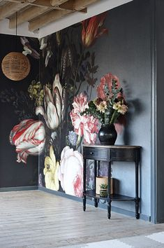 Bold floral wall mural on black background - dark and moody florals and unusual wallpaper are two of our top interior design trends of Read our feature for more ideas. Interior Design Tips, Interior Inspiration, Interior Decorating, Decorating Ideas, Decor Ideas, Luxury Interior, Wall Ideas, Decorating Websites, Mural Ideas