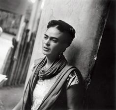 Frida Kahlo such a modern pose. I wonder what she would get up to if she was with us now.