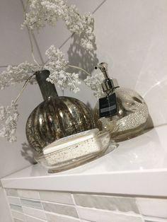 Mooie accessoires verkrijgbaar van AquaNova in onze showroom.