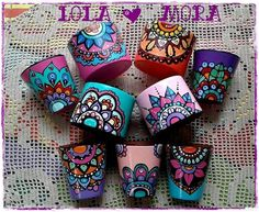 Clay Pot Crafts, Diy Home Crafts, Garden Crafts, Decorated Flower Pots, Painted Flower Pots, Flower Pot Design, Flower Designs, Painted Mugs, Painted Rocks