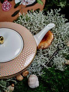 Wundervolle Tableware Highlights - Falstaff LIVING Highlights, Tableware, White Rabbits, Cup And Saucer, Carafe, Alice In Wonderland, Teacup, Dinnerware, Tablewares