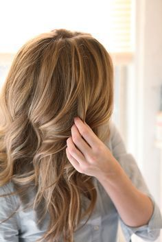 tutorial for how to get relaxed, beautiful loose curls