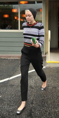 high waisted trousers with print blouse and flats