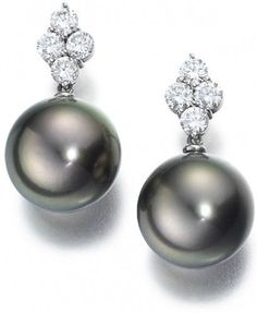 Rosamaria G Frangini | High Pearl Jewellery | Shazia Mukri Black Pearls and Diamond Earrings