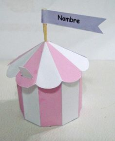 Cajita de circo rosa y blanca para entregar en algún evento infantil