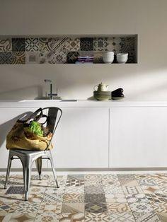 Gorgeous tiles, and I love the way the floor and the wall tiles match. Coleção 2012 Portobello – Rio Retrô.