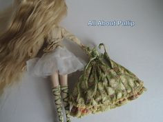 Pullip Tiphona: back of her dress and blouse.
