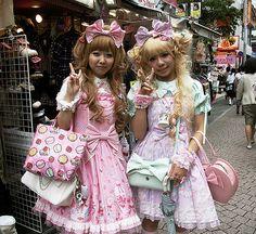 japanese lolita | Japanese Street Fashion: Lolita | hellokittydevotee