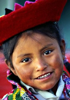 Peruvian girl living in the Andes Mountains, home of Inca people. Repinned by Elizabeth VanBuskirk. For more info on an Inca family and the village where they live, Chinchero, Peru, see the website incas.org