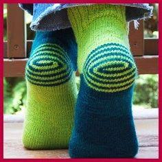 free knitting pattern for double helix socks! Loom Knitting, Knitting Socks, Free Knitting, Knit Socks, Fun Socks, Awesome Socks, Knit Slippers, Knitted Socks Free Pattern, Work Socks