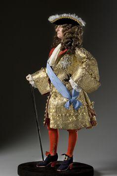 Louis XIV 1685 Portrait by artist-historian George Stuart. Visit Our Site For… Louis Xiv, Roi Louis, French History, European History, Antique Clothing, Historical Clothing, Historical Art, Ludwig Xiv, 17th Century Fashion
