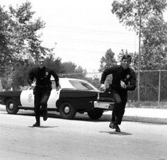Foot pursuit 70s Tv Shows, Movies And Tv Shows, Martin Milner, Adam 12, Favorite Tv Shows, Favorite Things, Old Tv, Picture Collection, Classic Tv