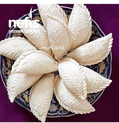 Şekerbura (Azerbaycan Mutfağı) (Videolu) - Nefis Yemek Tarifleri Snack Recipes, Snacks, Diy And Crafts, Food And Drink, Throw Pillows, Countries, Sweets, Eat, Desserts