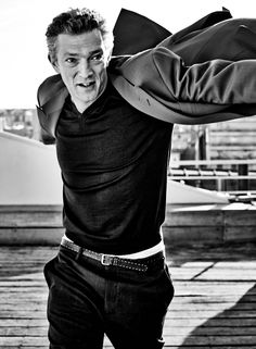 Male Photography, Fashion Photography, Vincent Cassel, Dynamic Poses, Famous Men, Celebs, Celebrities, Gentleman, Eye Candy