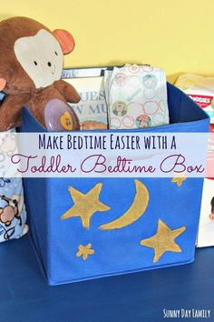 Need help with your toddler bedtime routine? Try making a Toddler Bedtime Box! This easy DIY project will help reinforce your night time routine and help you toddler prepare for bedtime without arguing. #HuggiesNewYear [ad]
