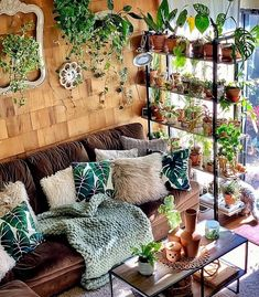 31 Trendy Home Interior Bohemian House Bohemian House, Bohemian Living, Modern Bohemian, Bohemian Furniture, Bohemian Interior, Bohemian Decor, Scandinavian Interior, Style At Home, Boho Dekor